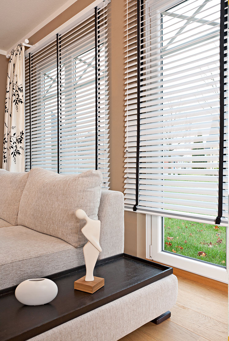 jalousien bilder with jalousien bilder gallery of warema. Black Bedroom Furniture Sets. Home Design Ideas